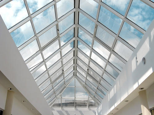 Крыша из монолитного поликарбоната