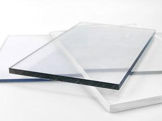 Поликарбонат или стекло, что лучше выбрать?